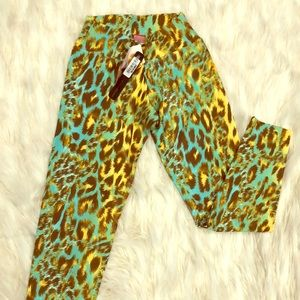 NWT! Luxe Leopard Leggings Yoga Pants Buttery Soft